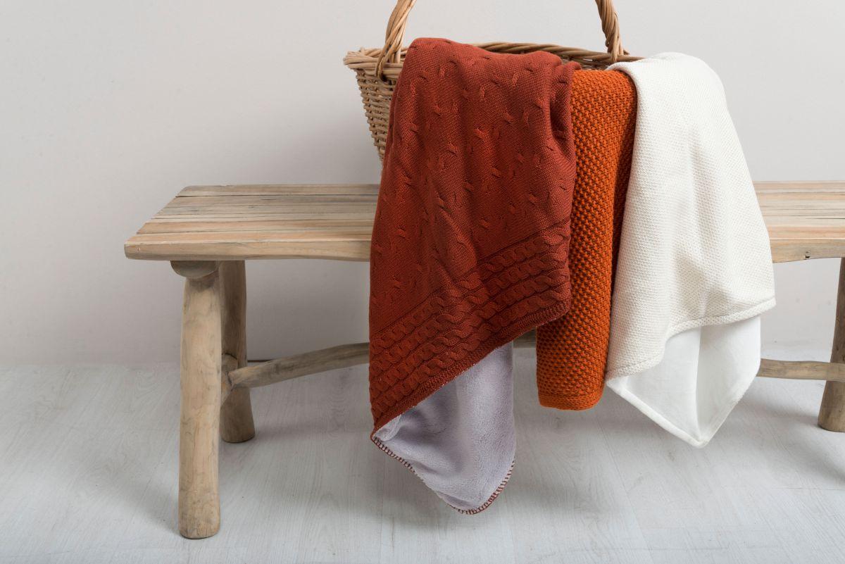 baby crib blanket teddy cable brique