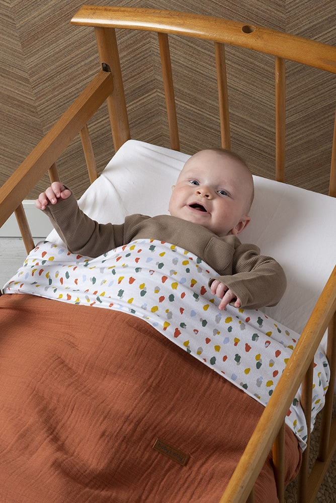 baby crib sheet leaf