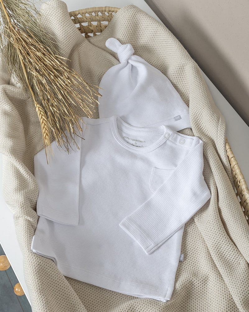 knotted hat pure white 03 months